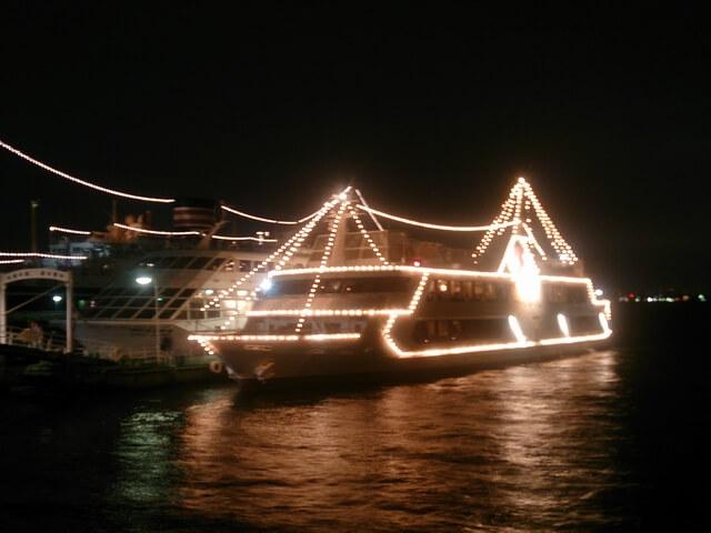 観光船シーバス