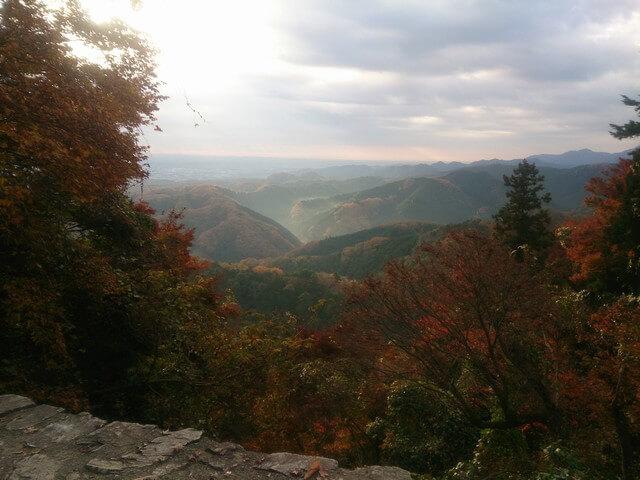 紅葉時期の高尾山登山レポート!混雑回避で平日の早朝から登ってみました!