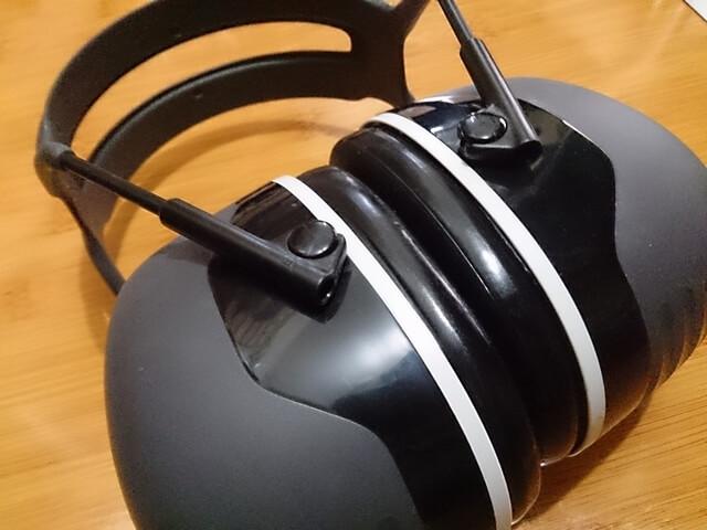防音イヤーマフで騒音をシャットアウト!耳栓と併用すると効果アップする?